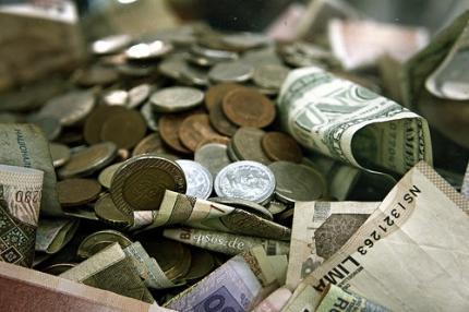 kredite iz 2000. i EURO 500.000 EURO izvan nje. M