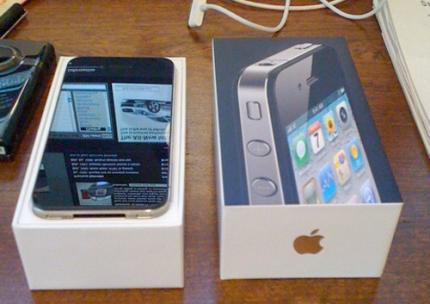 WTS New: BlackBerry Porsche  Design P9881 & iPhone