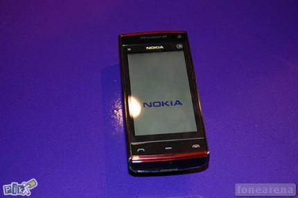 PRODAJEM NOKIA X6 16GB