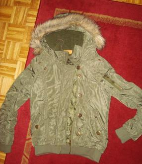 Prodajem novu �ensku jaknu