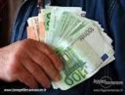 Zajam ponuda obuzdati svoje financijske probleme
